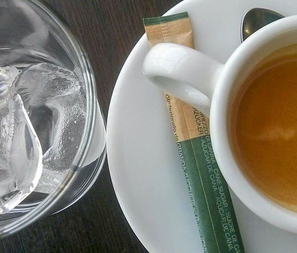 cafe con hielo cafran cocinas verano
