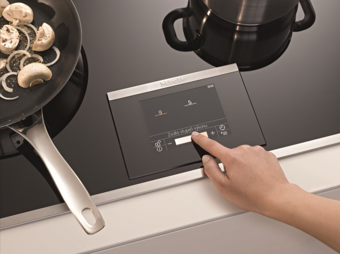 Zona-de-control-de-la-placa-de-inducción-Miele-KM-6395-FlexTouch