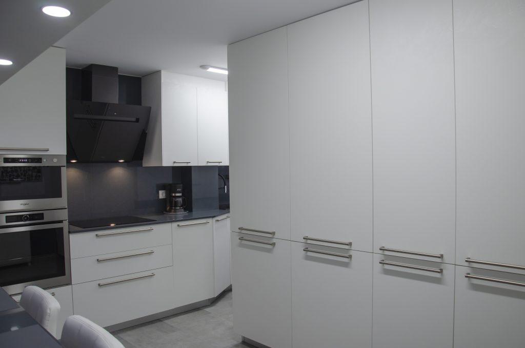 wall 73 silestone chacroal cafran cocinas arrital