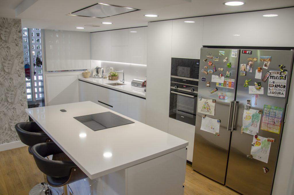 ak_project cocina amplia y familiar
